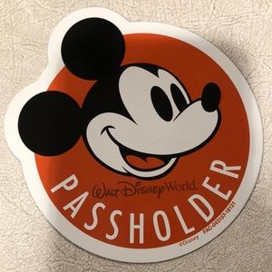 WDW Mickey Mouse Passholder magnet new